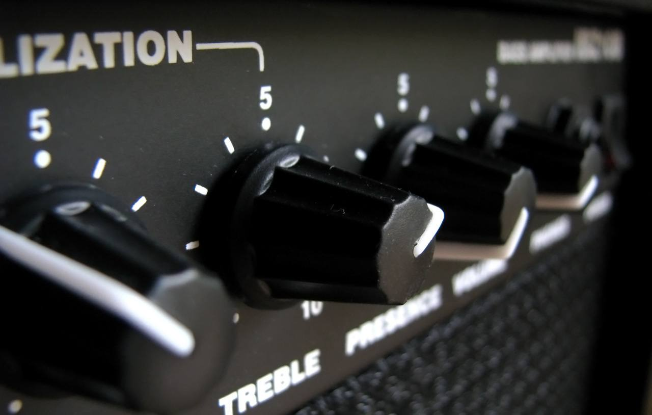 Ibanez bass amp close up on eq section